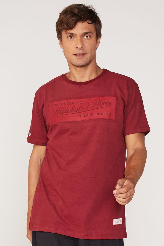 Camiseta-Mitchell---Ness-Estampada-Branded-Box-Suede-Vinho